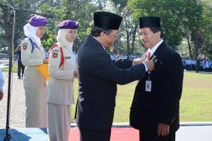 Penyematan Staylencana oleh Rektor